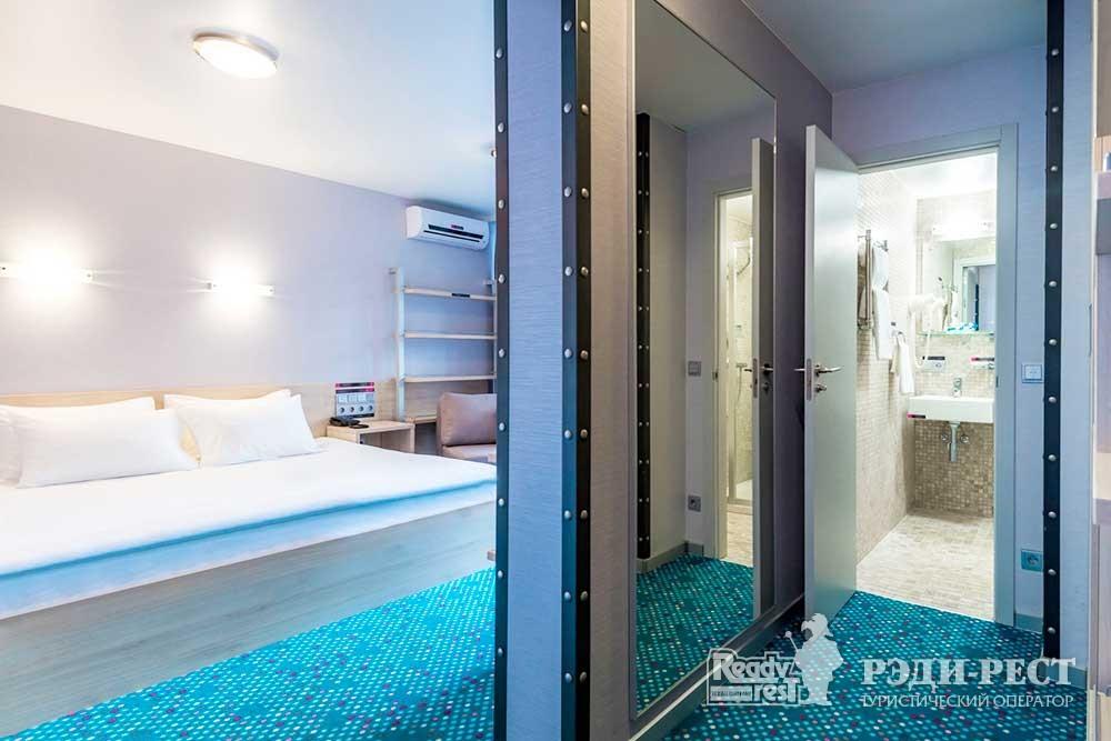 Отель Грин Парк 3* Улучшенный с 1 кроватью и террасой