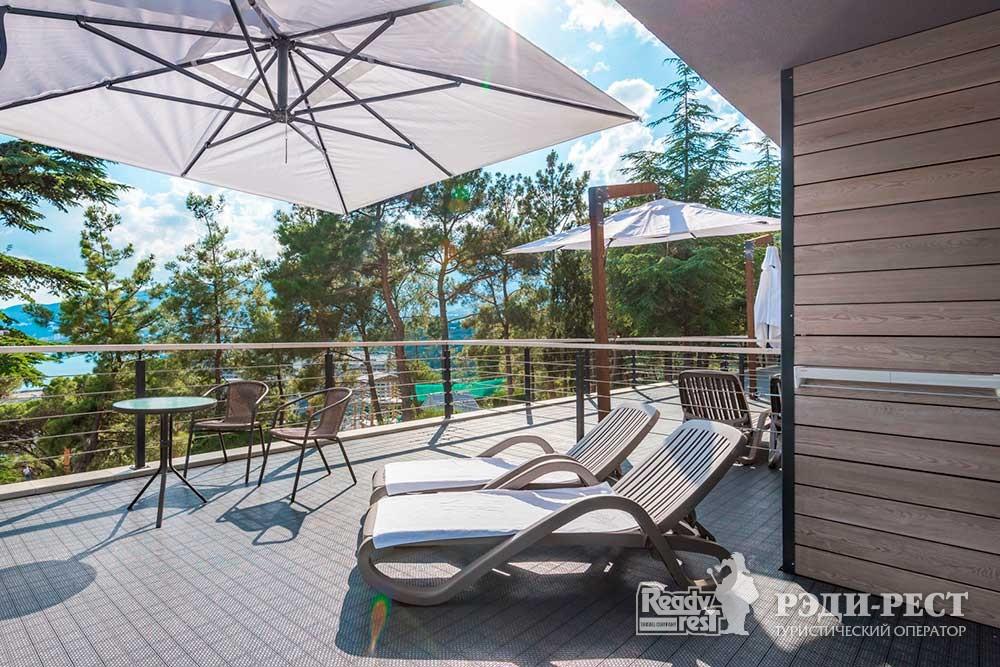 Отель Грин Парк 3* Улучшенный с  2 кроватями и террасой