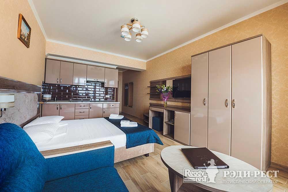 Курортный комплекс ИваМария Полулюкс семейный с мини-кухней