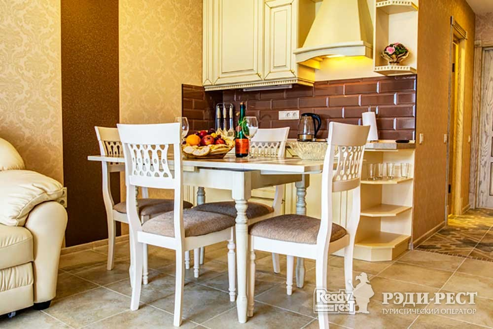 Курортный комплекс ИваМария Семейные апартаменты с кухней