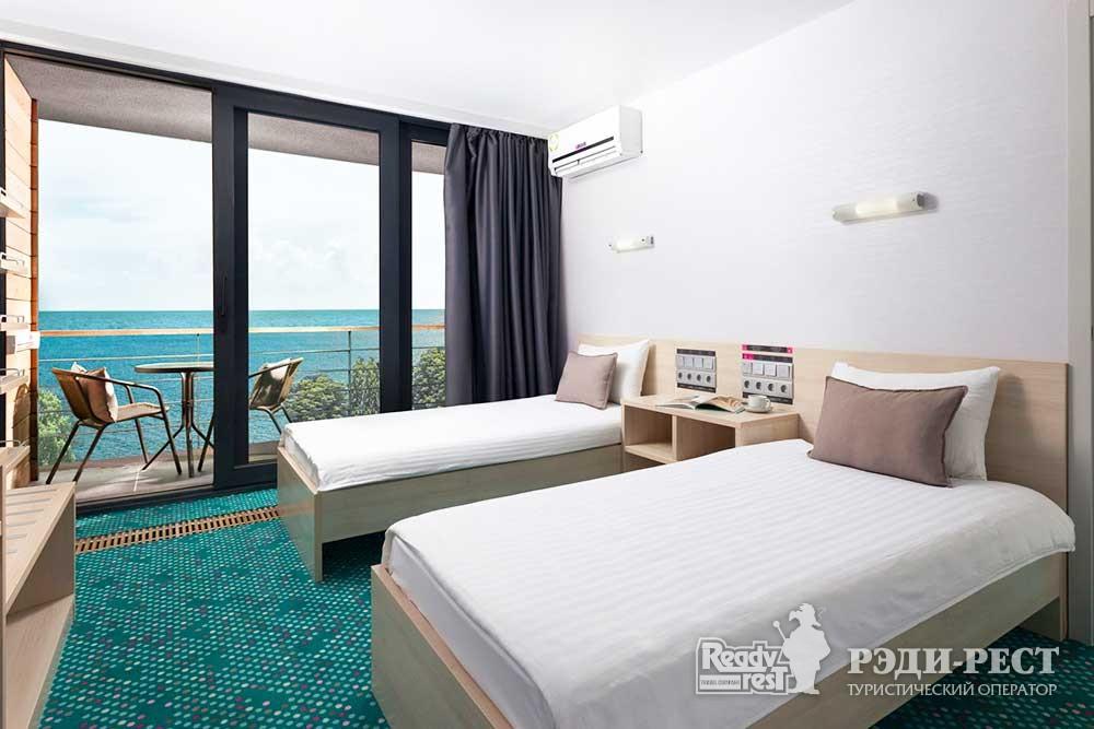 Отель Грин Парк 3*. Люкс 2-комнатный с 1 кроватью и 2 кроватями