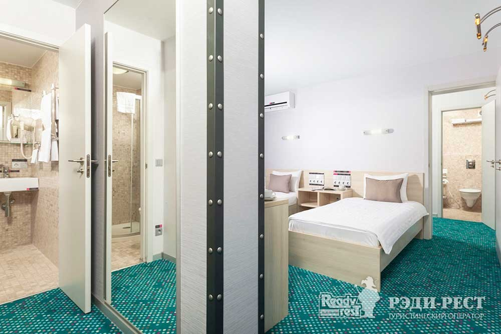 Отель Грин Парк 3* Люкс 2-комнатный с 1 кроватью и 2 кроватями