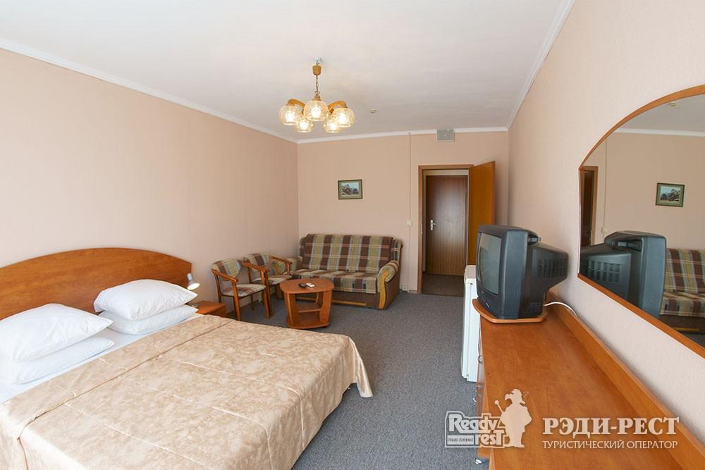 Туристско-оздоровительный комплекс Приморье. комфорт 2-местный, корпус 1