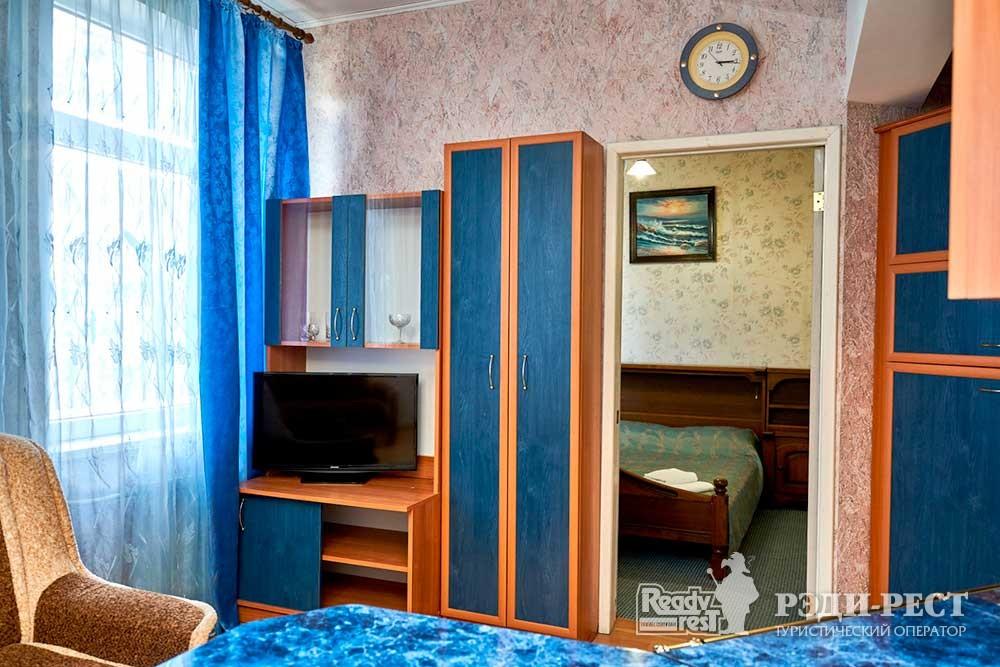 Гостиница Омега-Клуб Апартаменты «Бриз»