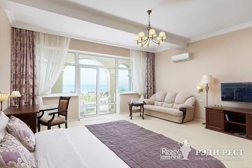 Отель Превысоковъ Люкс
