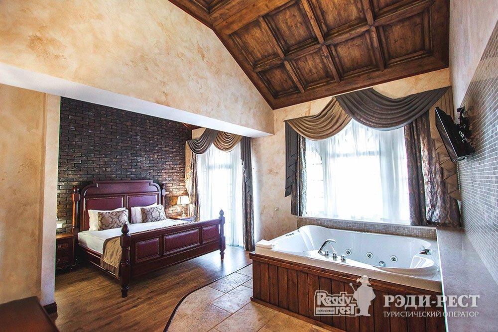 Курортный отель Солдайя Гранд. Королевский люкс