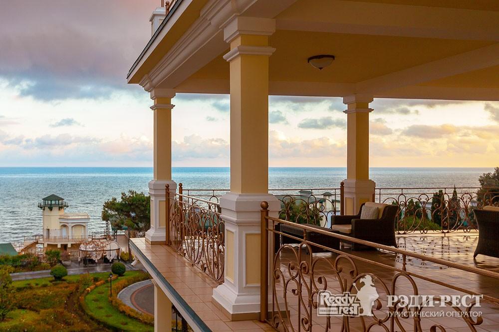 Курортный отель Пальмира Палас 4*. Большая Ялта