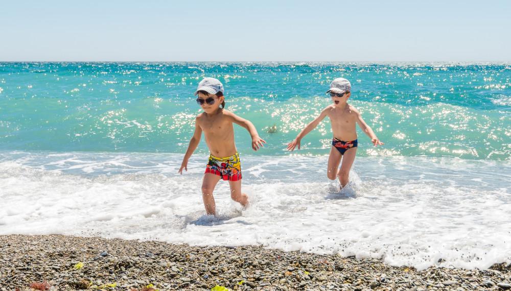 Пляжи Ялты признаны доступными для купания!
