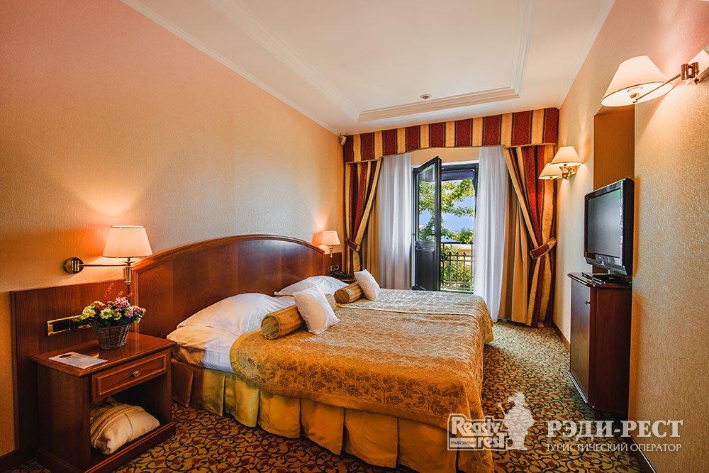 Гостиница Ореанда 5*. Люкс с видом на море