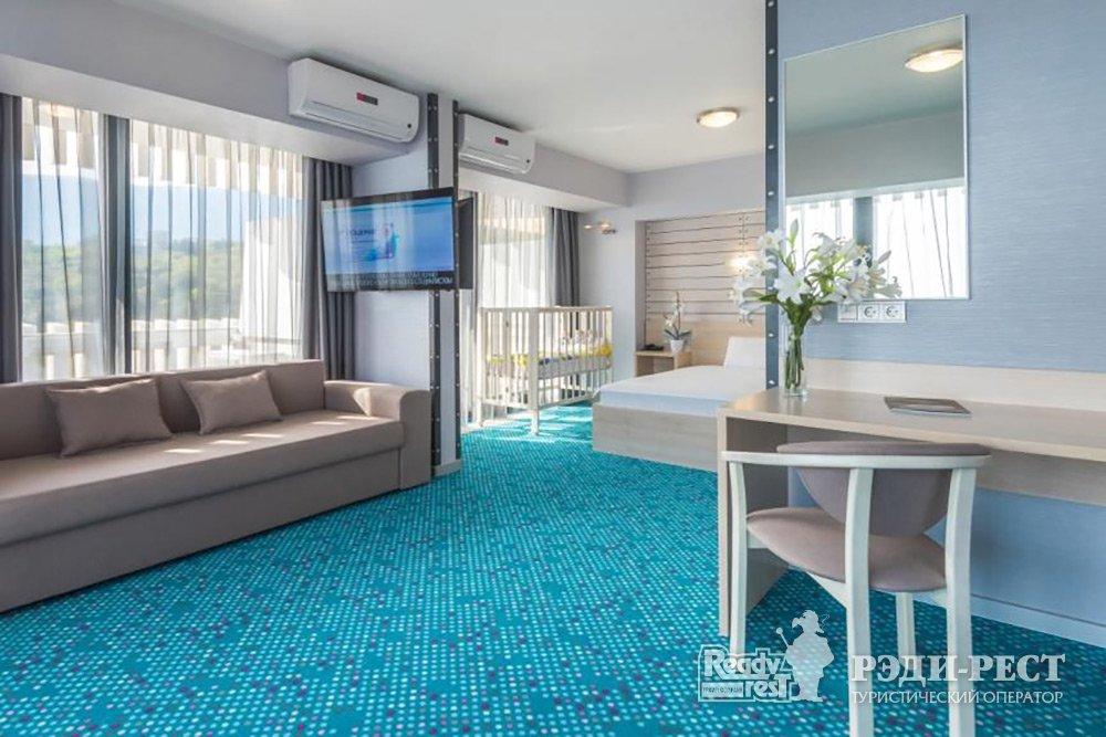 Отель Ялта-Интурист 4* Люкс-студия с 1 кроватью и диваном