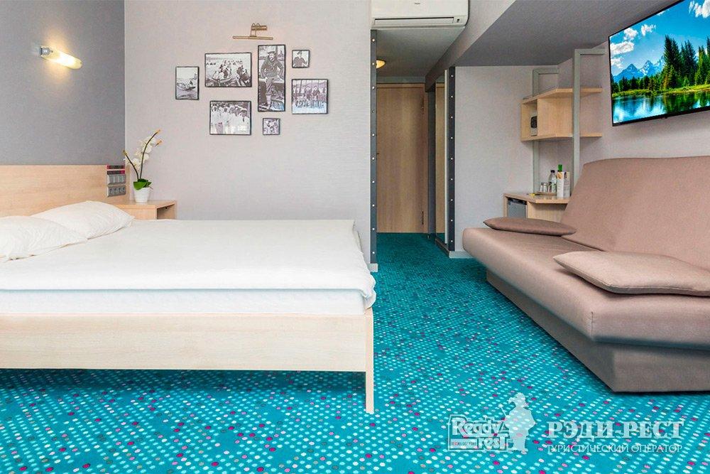 Отель Ялта-Интурист 4*. Улучшенный с 1 кроватью и диваном