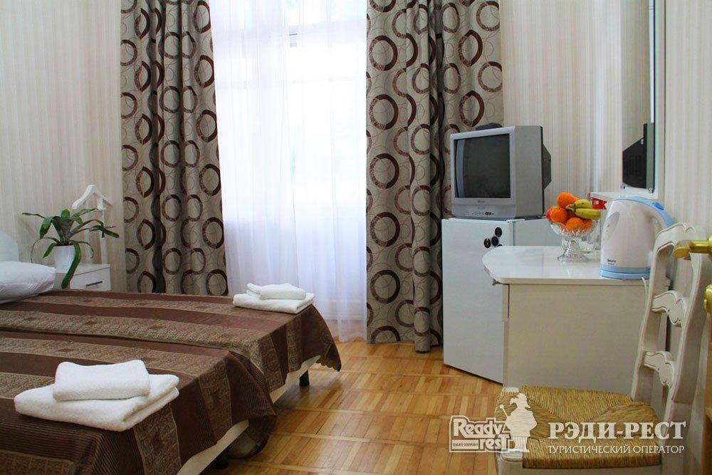 Гостиничный комплекс Юстас-Крым Стандарт, вид на море, корпус 3