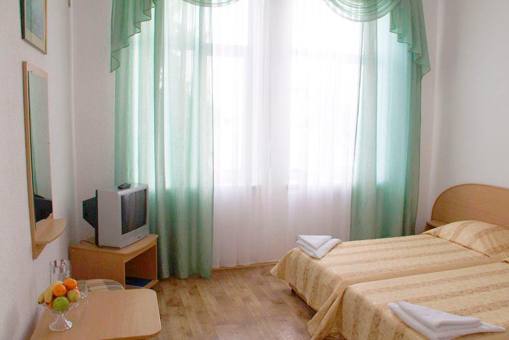 Гостиничный комплекс Юстас-Крым. Стандарт, вид на парк, корпус 5
