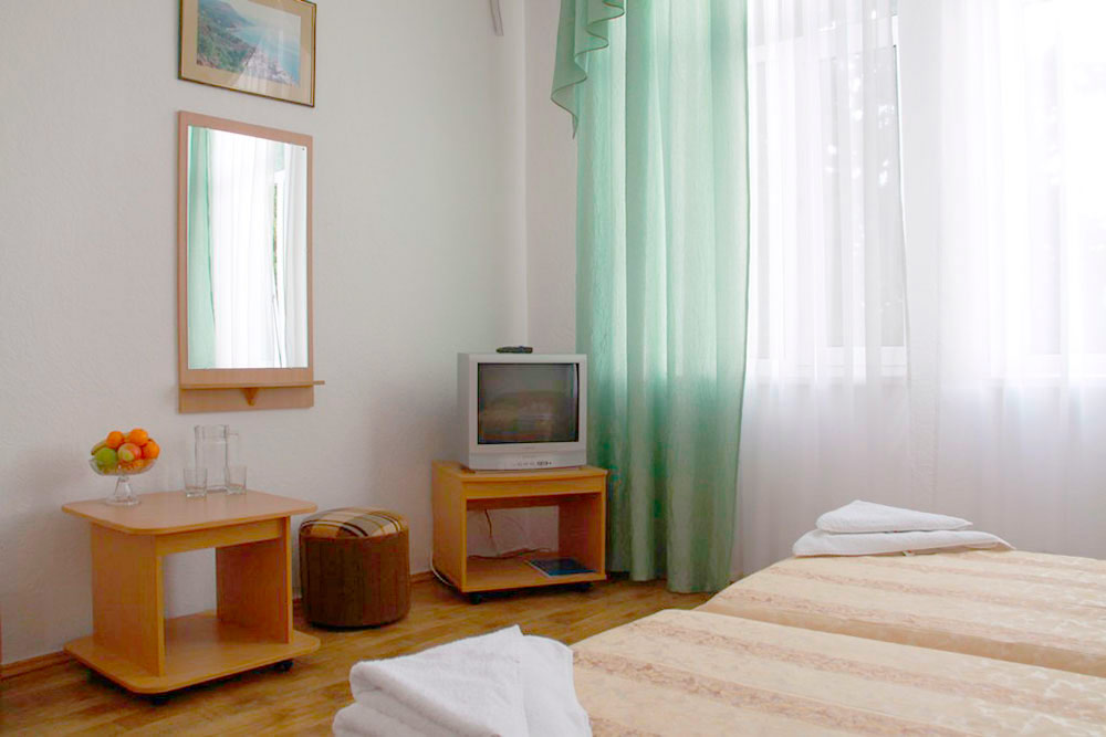 Гостиничный комплекс Юстас-Крым Стандарт, вид на парк, корпус 5