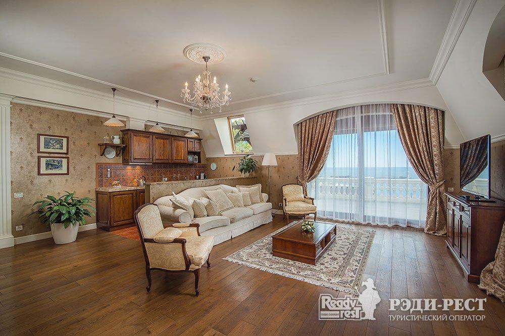 Отель и резиденции Вилла Елена 5*. Королевский Пентхаус