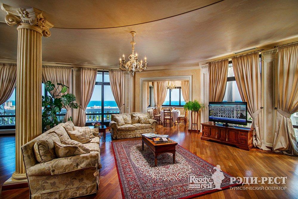 Отель и резиденции Вилла Елена 5*. Звездный Пентхаус