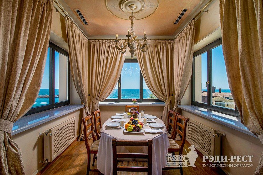 Отель и резиденции Вилла Елена 5* Звездный Пентхаус