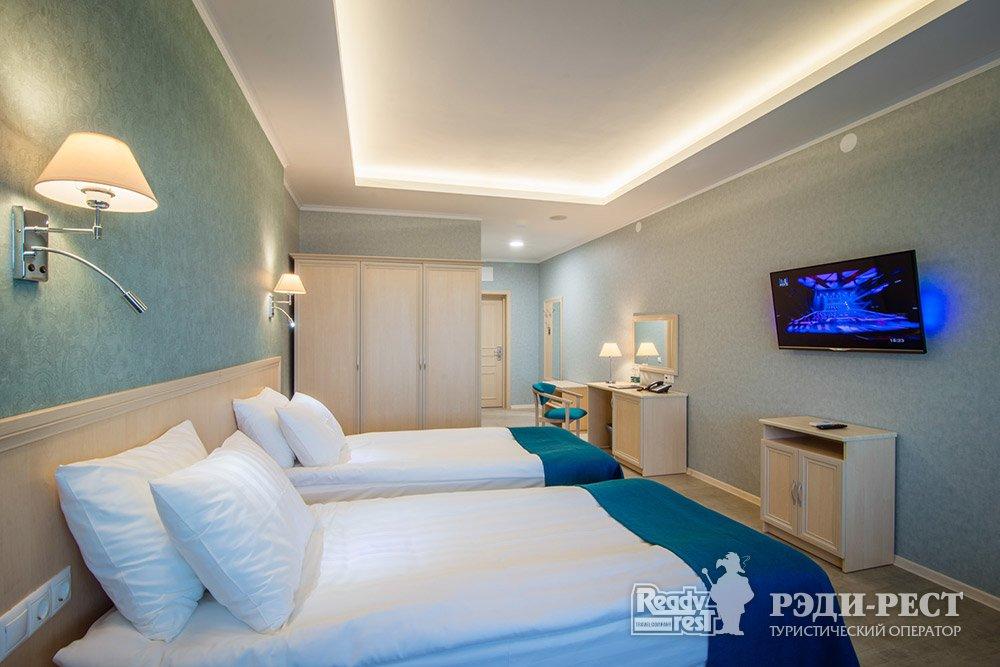 Аквапарк-отель Атлантида 3*. Стандарт, вид на аквапарк