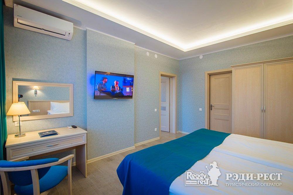 Аквапарк-отель Атлантида 3*. Люкс, вид на море