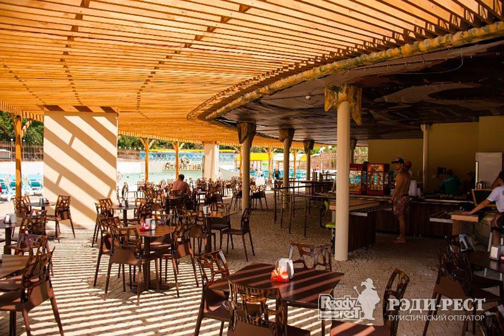 Аквапарк-отель Атлантида 3*. Большая Ялта Терраса