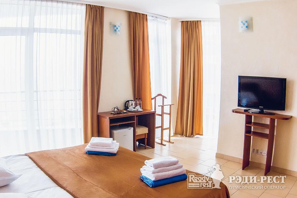 Спа-отель Ливадийский 4*. Полулюкс семейный