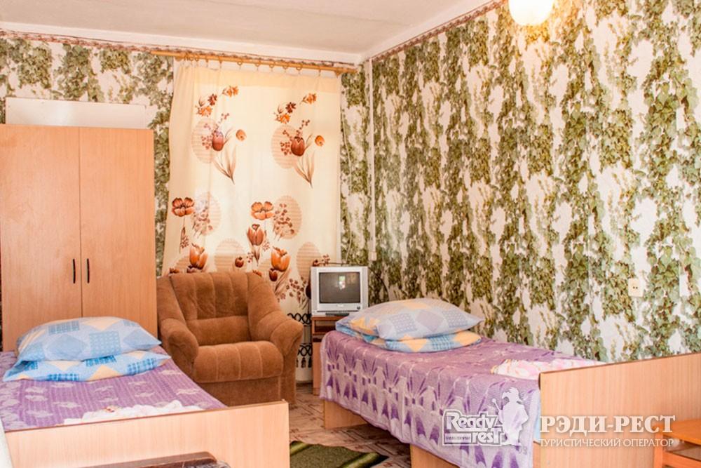 Cанаторий Полтава-Крым 3*. 2-местный с ч/удобствами, корпус 8