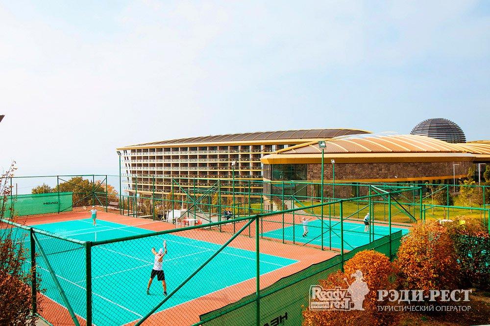 Cанаторно-курортный комплекс Мрия Резорт & СПА 5*. Большая Ялта Теннисный корт
