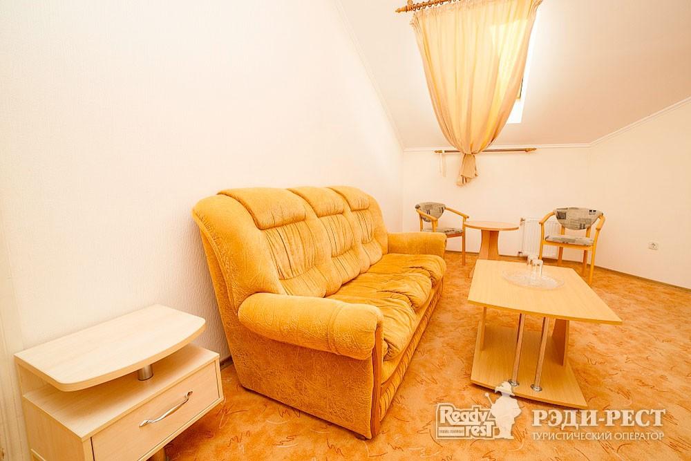 Туристско-оздоровительный комплекс Судак. 2-комнатный 2-местный (Админ. корпус)
