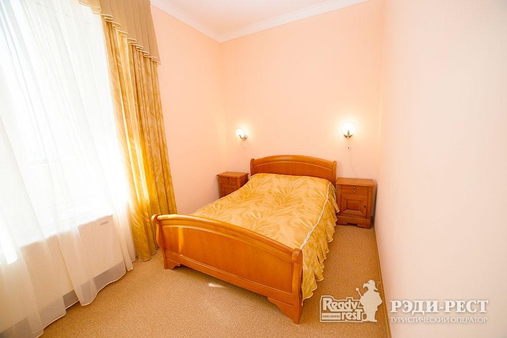 Туристско-оздоровительный комплекс Судак. 2-комнатный 2-местный (бизнес центр)