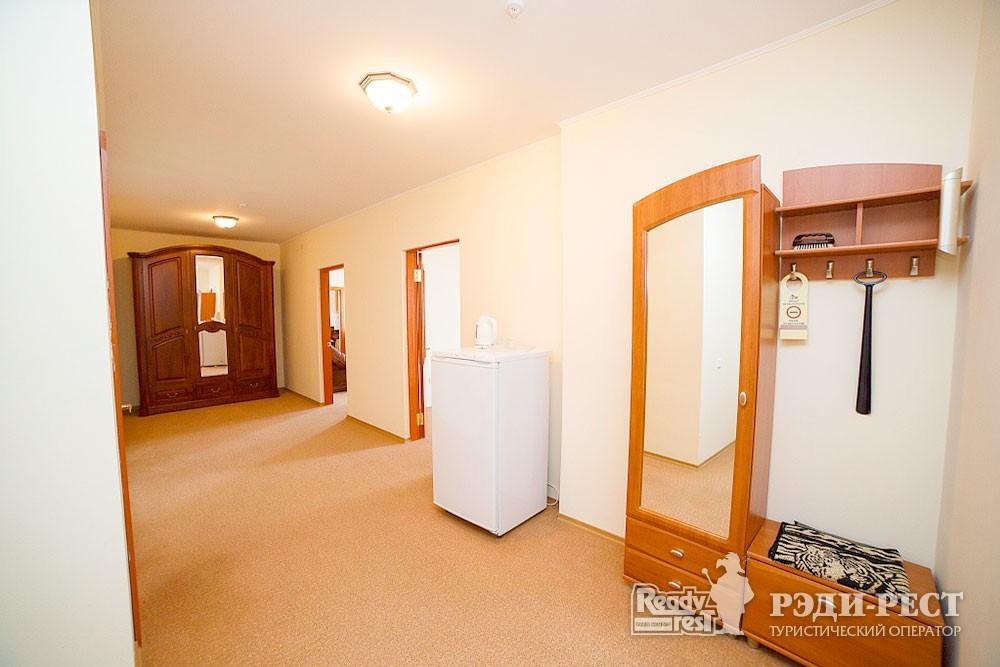 Туристско-оздоровительный комплекс Судак 3-комнатный 2-местный (бизнес центр)