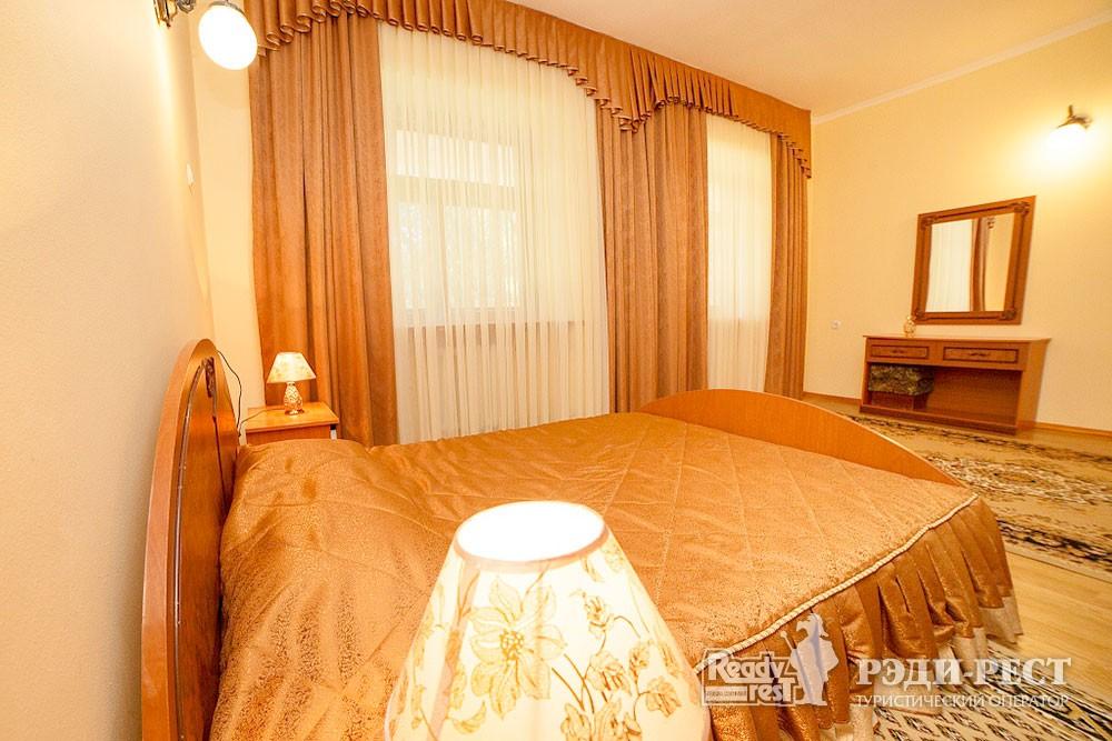 Туристско-оздоровительный комплекс Судак. 2-комнатный 2-местный (корпус №1)