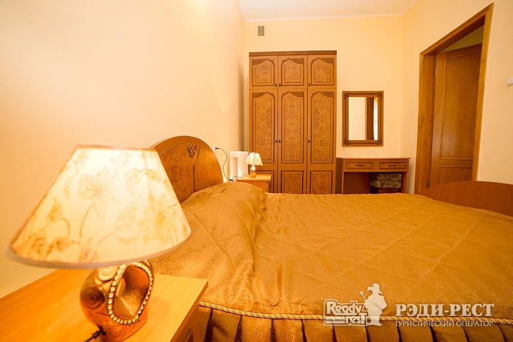 Туристско-оздоровительный комплекс Судак. 3-комнатный 2-местный (корпус №1)