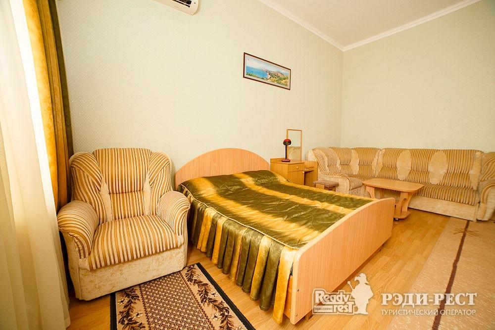 Туристско-оздоровительный комплекс Судак. 1-комнатный 2-местный (корпус №3)