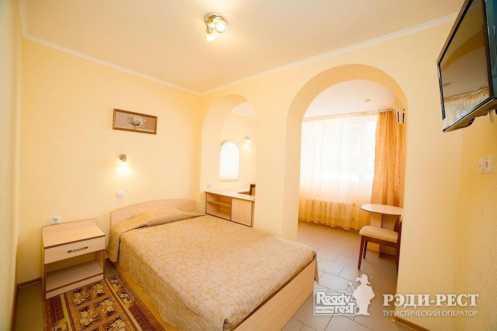 Туристско-оздоровительный комплекс Судак. 1-комнатный 1-местный номер (корпус №4)