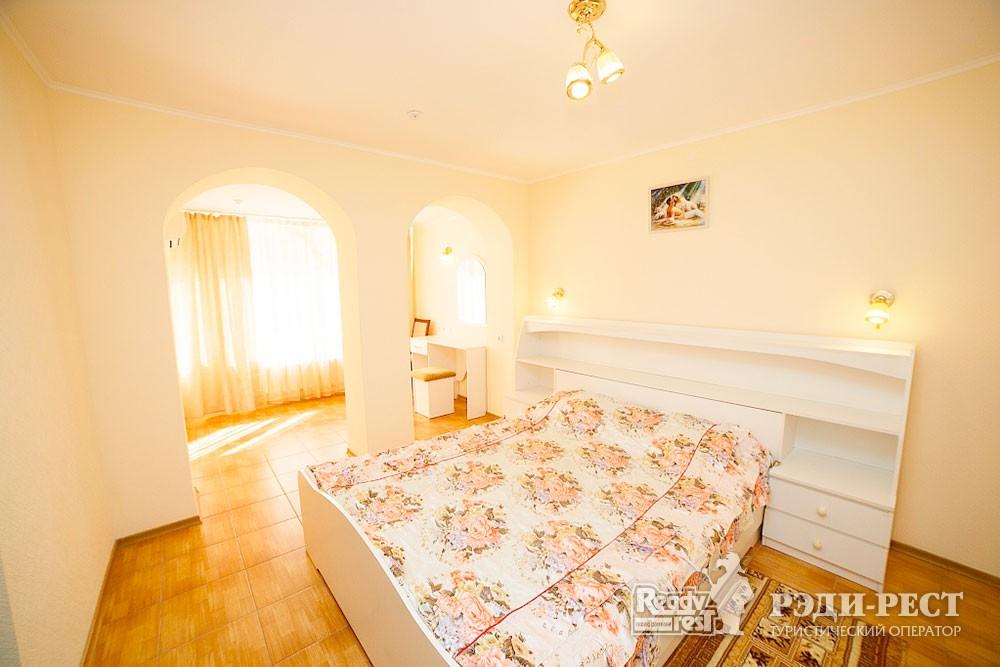 Туристско-оздоровительный комплекс Судак. 2-комнатный 2-местный (корпус №4)