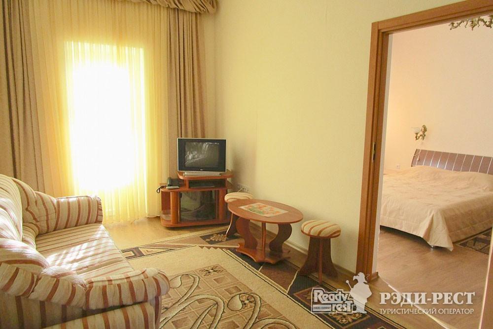 Туристско-оздоровительный комплекс Судак 2-комнатный 2-местный (корпус №7)