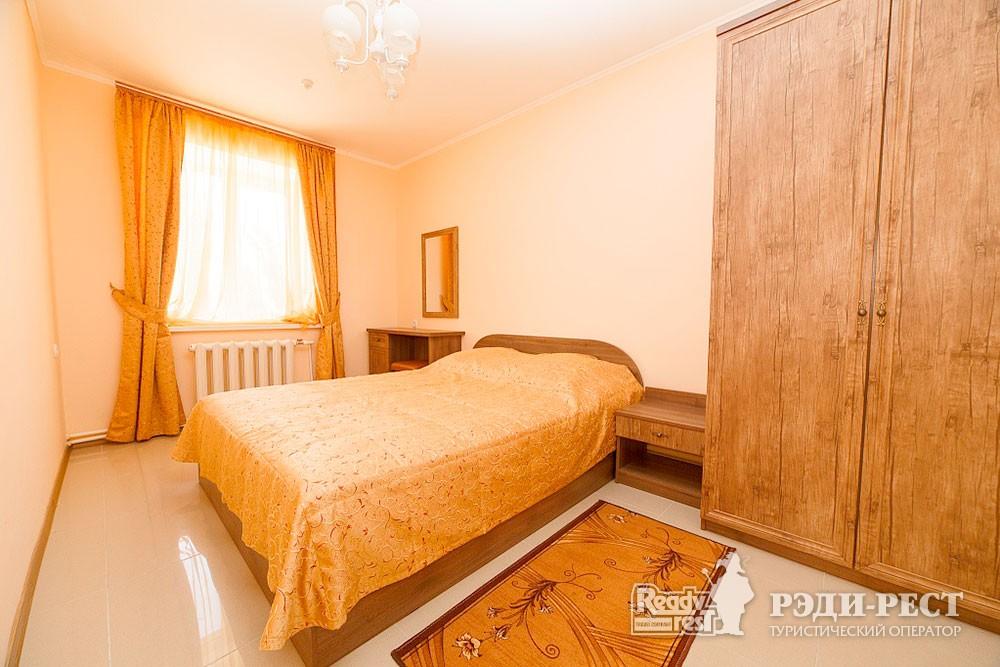 Туристско-оздоровительный комплекс Судак 2- комнатный 2-местный  (корпус №8)