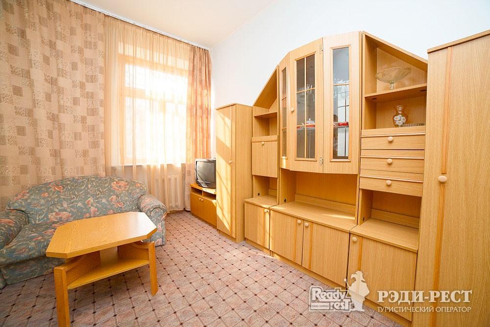 Туристско-оздоровительный комплекс Судак. 2-комнатный 2-местный (корпус №9)