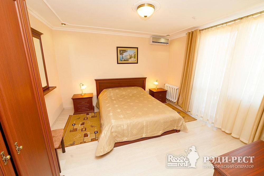 Туристско-оздоровительный комплекс Судак. 1-комнатный 2-местный (корпус №10)