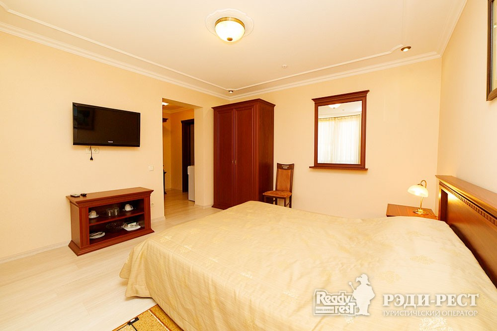 Туристско-оздоровительный комплекс Судак 1-комнатный 2-местный (корпус №10)