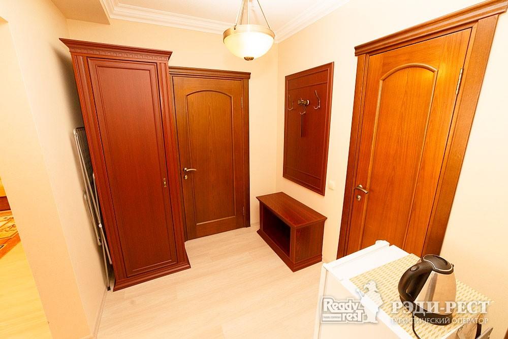 Туристско-оздоровительный комплекс Судак 2-комнатный 2-местный (корпус №10)