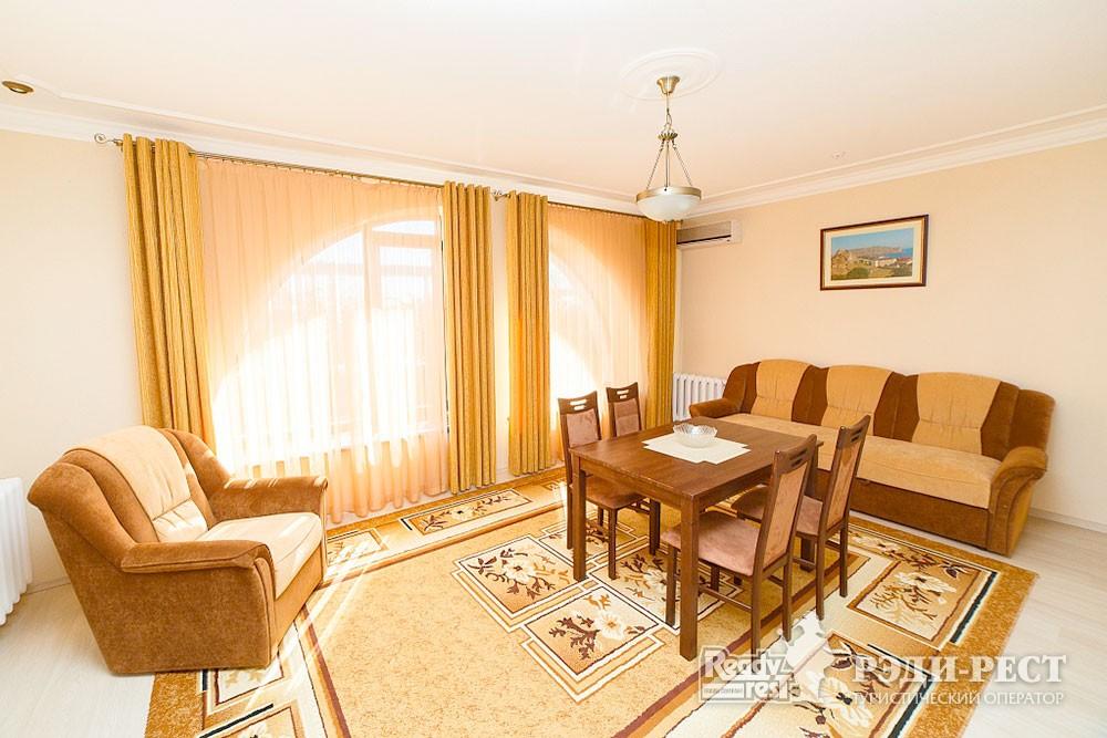 Туристско-оздоровительный комплекс Судак. 2-комнатный 2-местный (корпус №10)