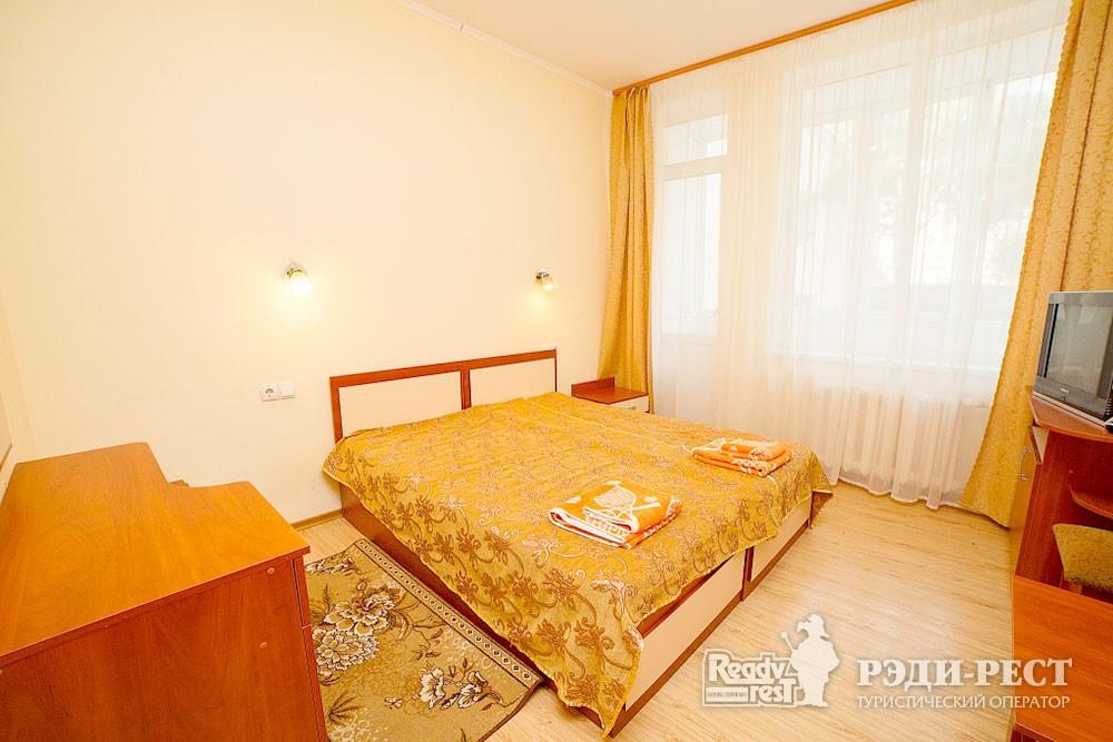Туристско-оздоровительный комплекс Судак. 1-комнатный 2-местный (корпус № 11)