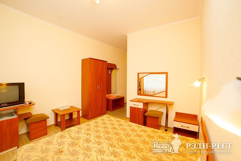 Туристско-оздоровительный комплекс Судак 1-комнатный 2-местный (корпус № 11)