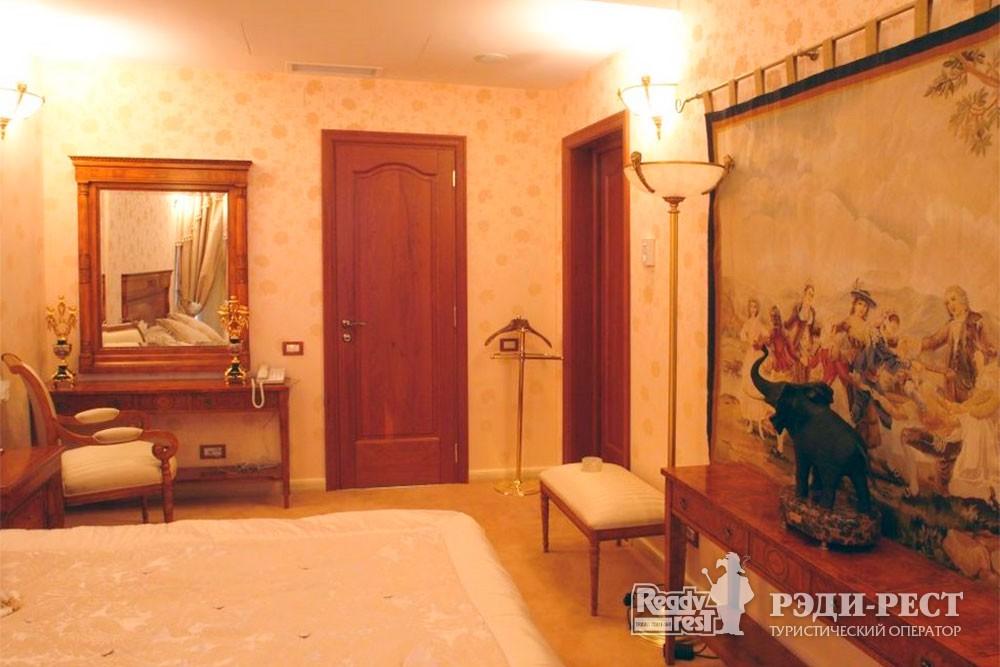 Курортный комплекс Алые Паруса 4* Сьют «Помпея»