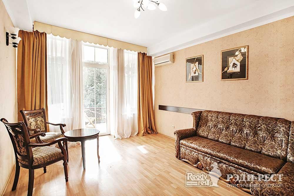 Отель Бристоль 3* Семейный Люкс