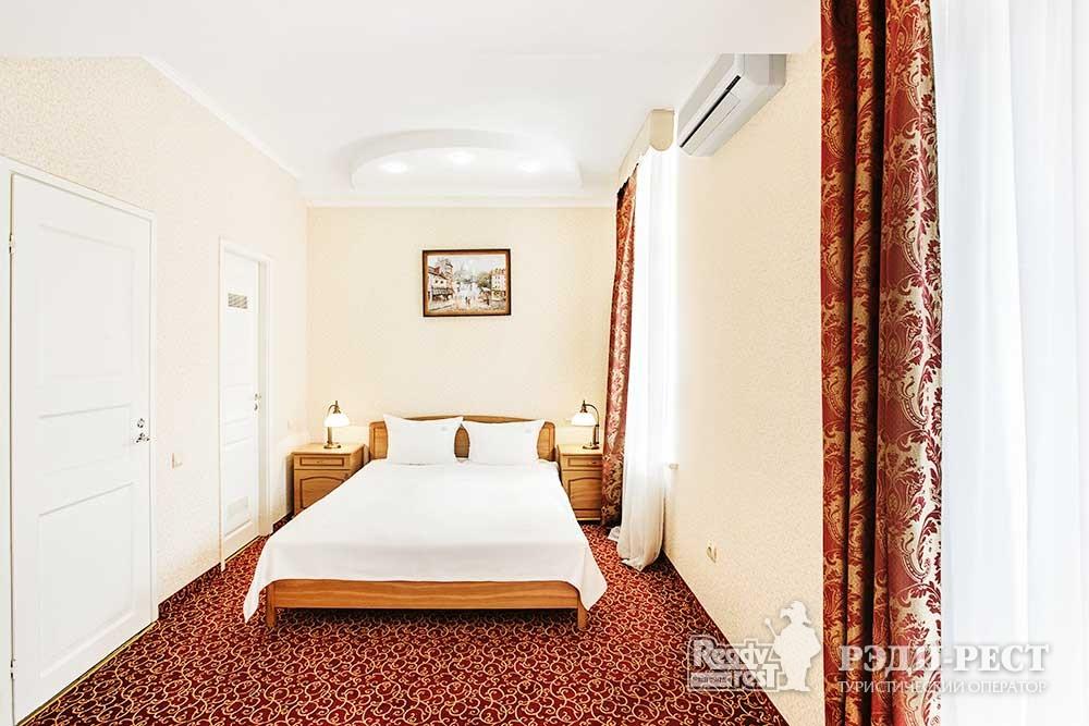 Отель Бристоль 3*. Семейный Люкс