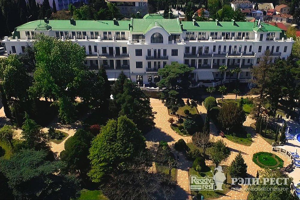 Гостиничный комплекс Ривьера Санрайз 4+*. Большая Алушта