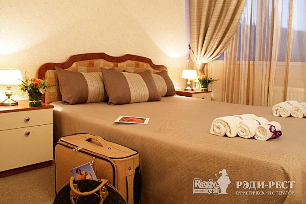 Курортный комплекс Голден Резорт 3*. Junior Suite