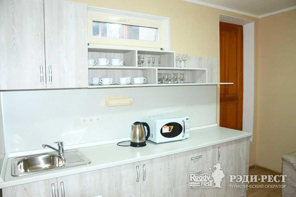 Туристско-оздоровительный комплекс Восход коттедж 2-комнатный с мини-кухней